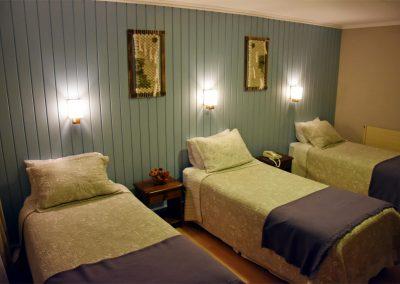 Habitacion Triple 001 - Hotel Lady Florence Dixie